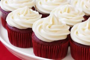 red-velvet-cupcakes1-1